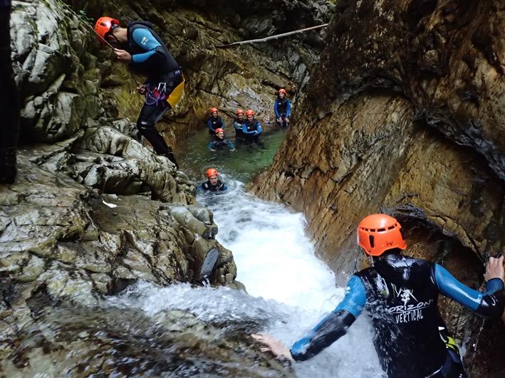 Horizon Vertical canyoning activités outdoor pleine nature Ariège Pyrénées Couserans